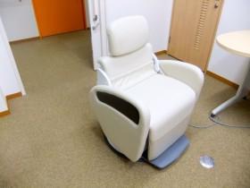 リラックスできる診察椅子